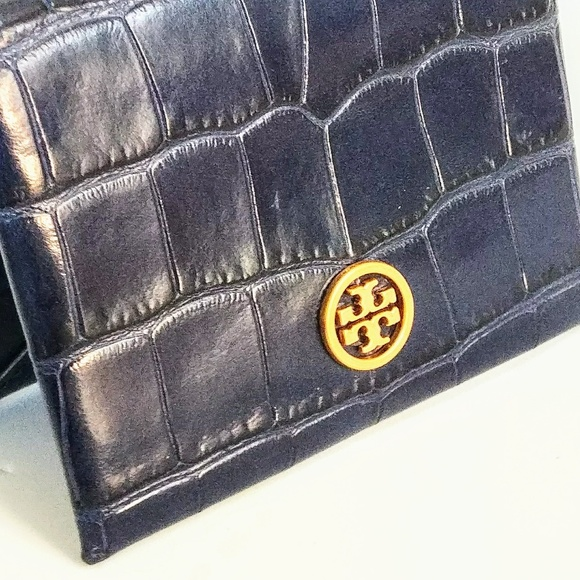 outlet store sale 2241d 4f8d9 Tory Burch Parker Embossed Foldable Card Case CROC Boutique